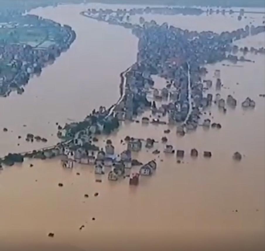 大陸境內水災持續、疫情不止,國際社會對中共的制裁升級,這種情況可能將成為大陸經濟的「新常態」。(影片截圖)