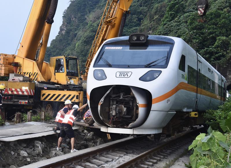 太魯閣號事故 台交通部初認定危害預防有疏失