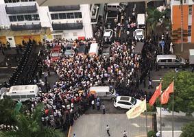 廣東數千司機圍堵貨拉拉總部維權遭鎮壓