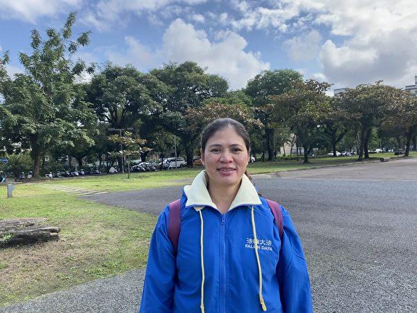 宜蘭法輪功學員阿合來自越南,學煉法輪功三年多,學煉後她身體健康,心情快樂,生活充實。(宋安/大紀元)