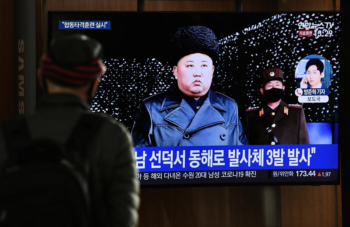 北韓領導人金正恩近日成為全球頭號蒐索人物,有關其生死的各項傳聞不斷,唯一明確的是年僅36歲的金正恩還沒有安排接班人,這個或許是最令各國擔心的事。(Jung Yeon-je/AFP)