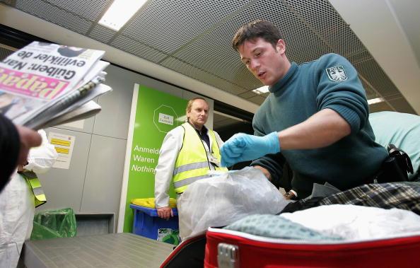 德國海關2020年查獲大約368萬件假冒產品,一半以上來自中國。(Ralph Orlowski/Getty Images)