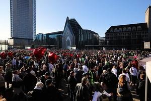 德國89年和平革命再現? 萊比錫數萬人抗議封鎖