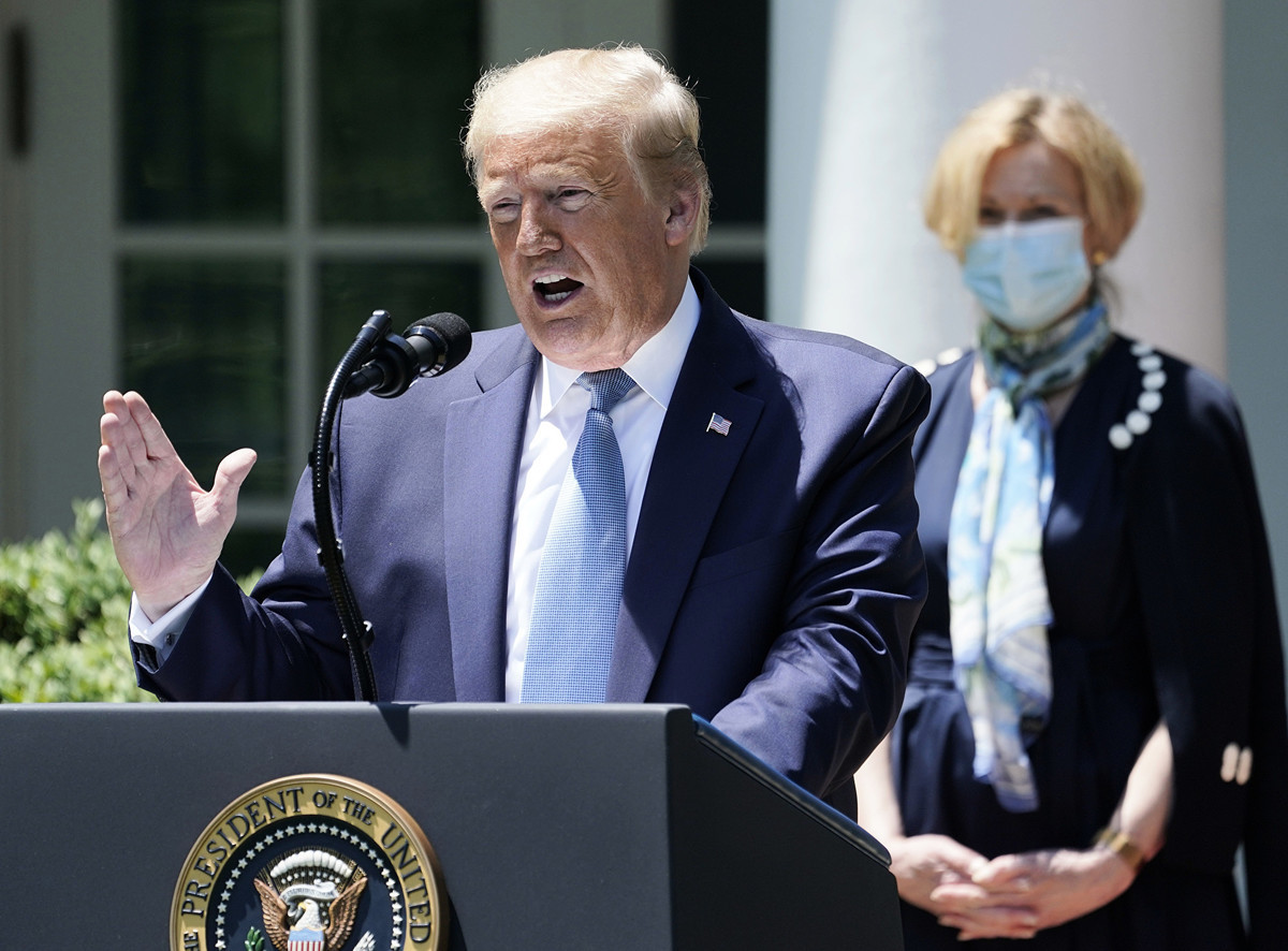 白宮報告戳穿了中共的謊言。美國坦承,以往的對華戰略失敗了。圖為特朗普總統在2020年5月15日的新聞發佈會上。(Drew Angerer/Getty Images)