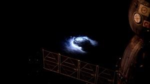 航天員在太空站看到地球神秘籃光