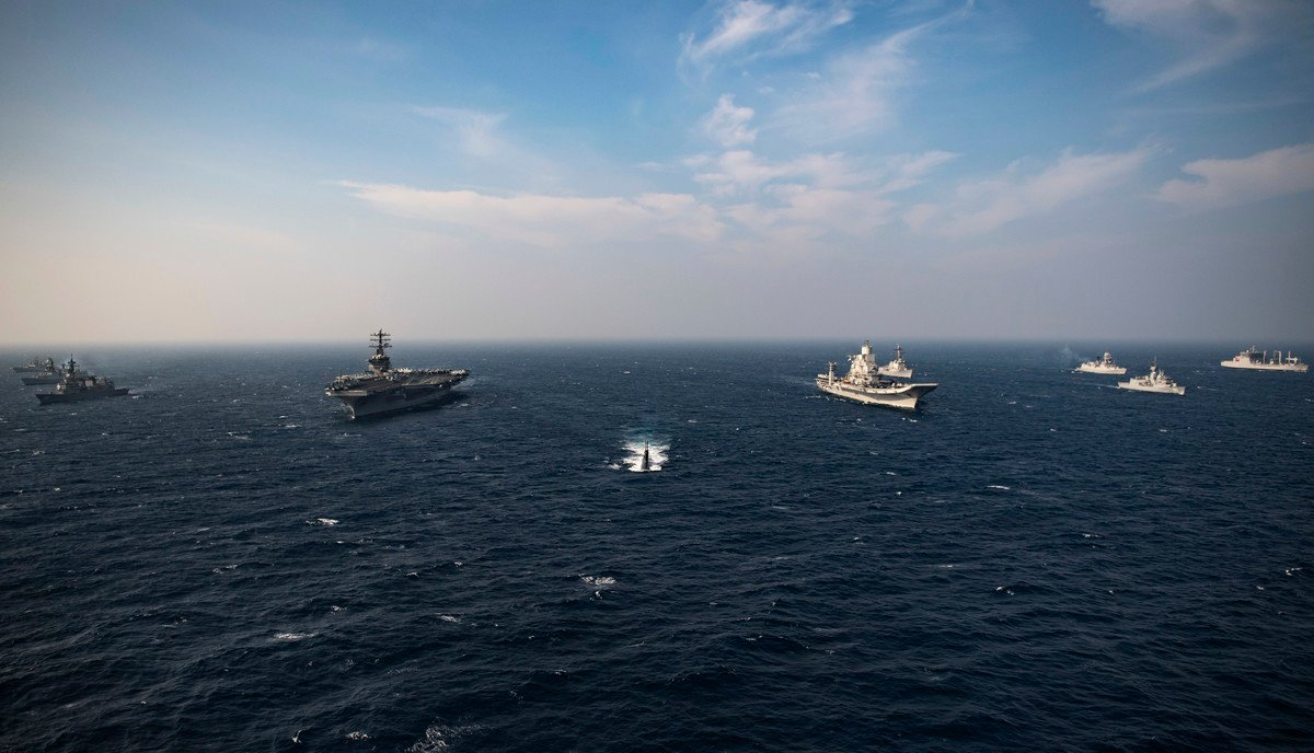 圖為2020年11月20日,美國海軍尼米茲航母(CVN68)與印度、日本、澳洲海軍,在印度洋進行了馬拉巴爾(Malabar 2020)演習。(美國海軍)