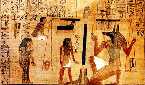 傳統宗教指出,人在死後必須接受審判。這一點,是許多瀕死體驗者的切身經歷。圖為古埃及《死者之書》中的冥府審判圖。(公有領域)