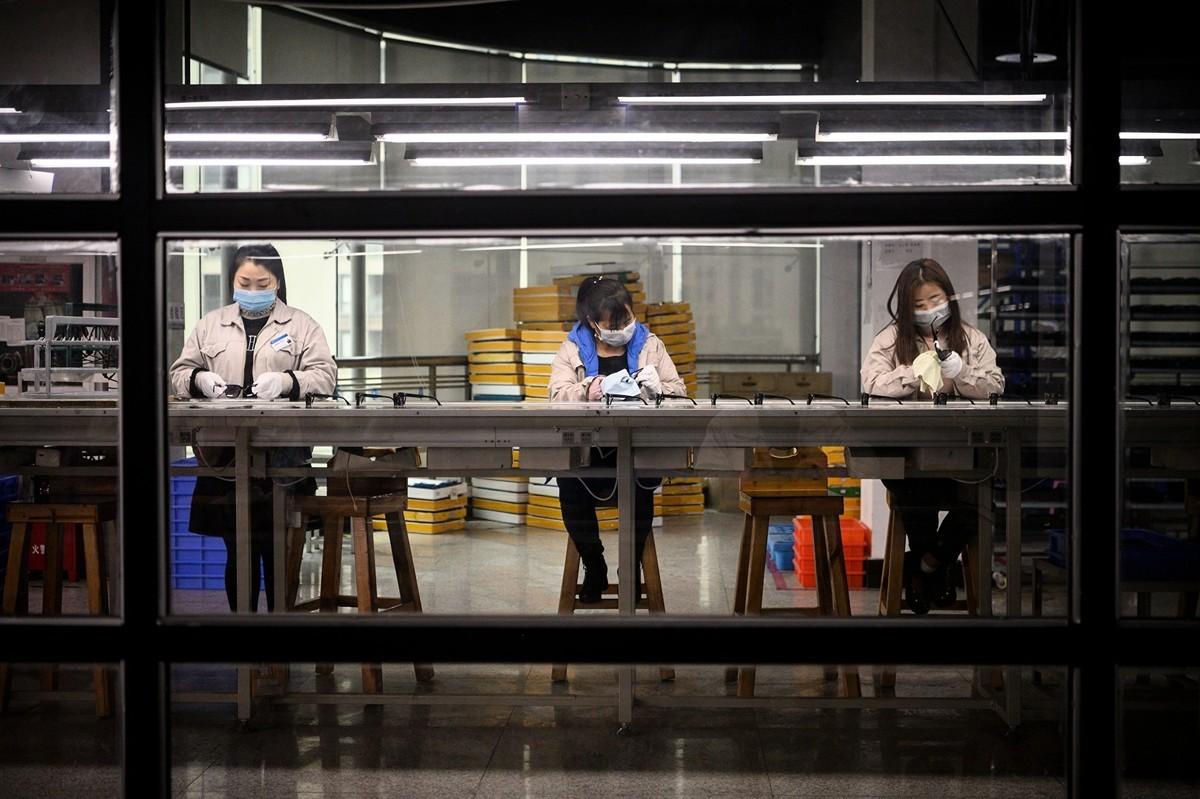 中國中小微企業是中共肺炎(俗稱武漢肺炎、新冠肺炎)疫情的重災戶,但很難從商業銀行取得貸款,為了應急周轉,被迫轉向地下影子銀行借取高利貸,年息高出一般銀行5~8倍,達24%~36%。(AFP)