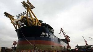 中國渤海油田大火燒4天才公告 3人失蹤99人撤離