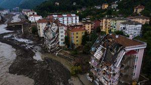 土耳其黑海洪災釀57死 屋蓋在河濱傳逾300人失蹤