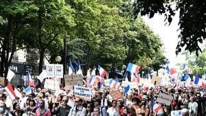 連續6周 法國民眾上街抗議健康通行證