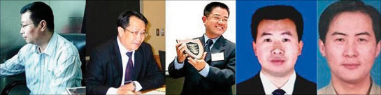 在中國大陸法律界裏,為法輪功學員作無罪辯護已成潮流。圖為部份為法輪功學員作無罪辯護的律師(左起):李蘇濱、莫少平、郭國汀、江天勇、李和平。(大紀元)