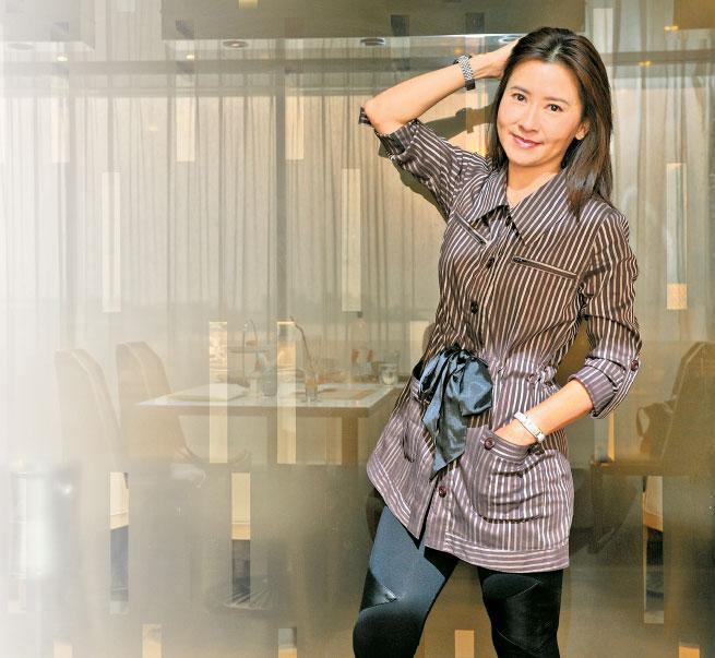 香港無綫電視藝人祝文君接受本報專訪。