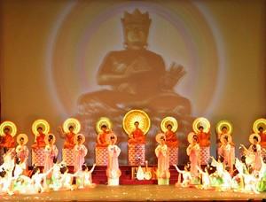 歷史上慈悲世人的神佛,下到人間救度眾生,留下了許許多多神跡,締造了獨具東方神秘色彩的中華神傳文化或曰半神文化。(正見網)
