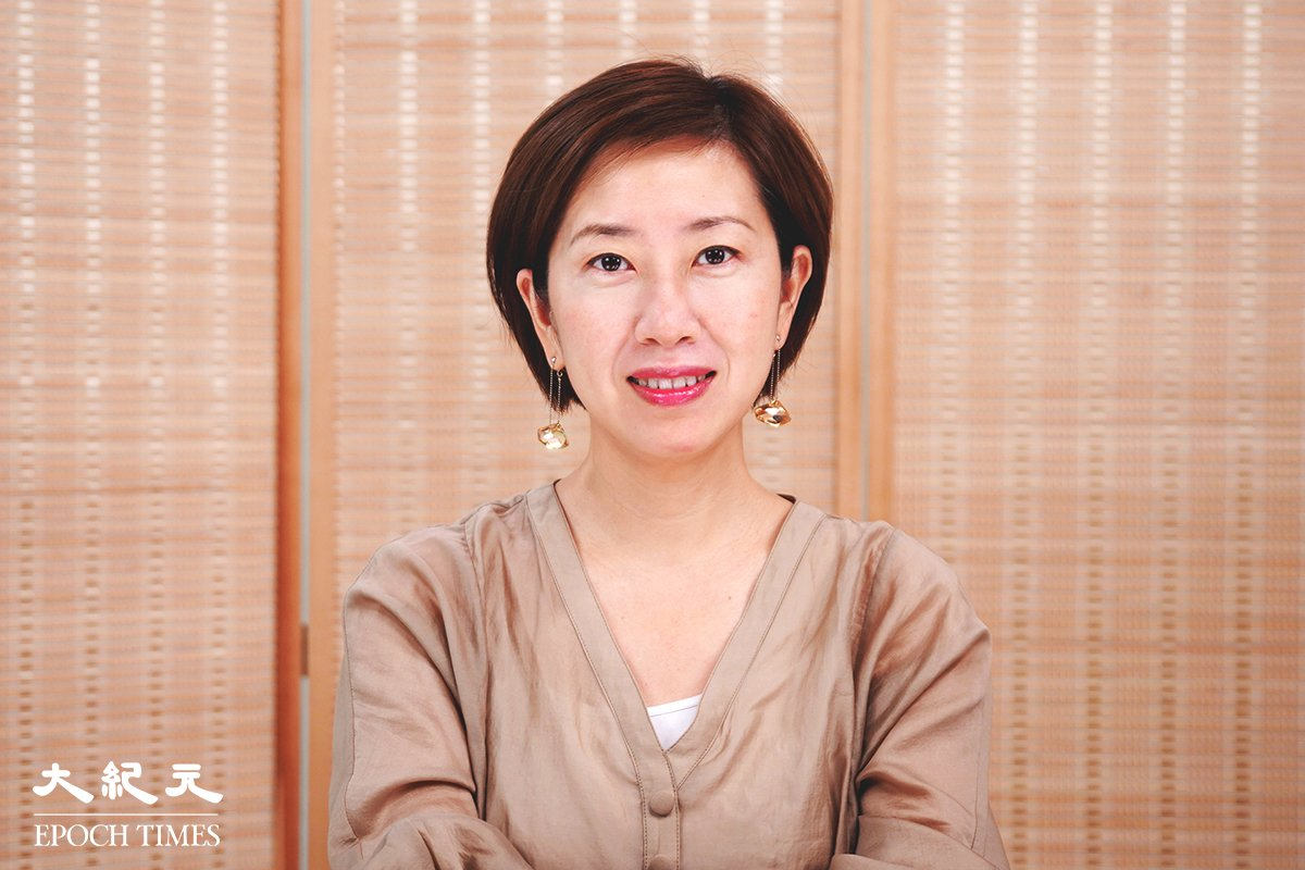 香港法輪佛學會會長梁珍說,雖然法輪功在中國被打壓,但已經在一百多個國家和地區洪傳,在世界各地收到3千多項褒獎。法輪功表現出「真、善、忍」的態度,令世人非常尊重。(大紀元資料圖片)