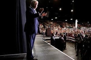特朗普表現遠勝預期 民調機構大跌眼鏡