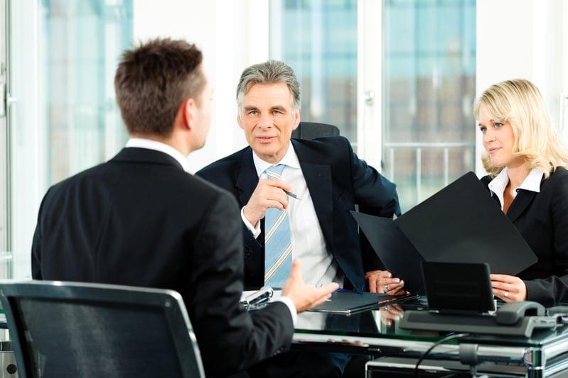 10位全球知名企業的首席執行官或高層最愛提的問題,都意在檢驗一個人的思維方式和心態。(Fotolia)