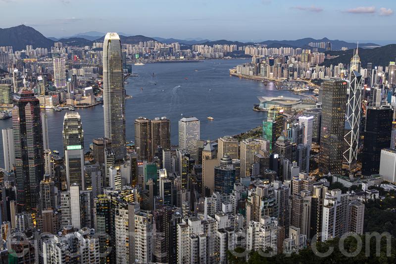 美聯工商舖資料研究部指出,香港甲、乙廈租金從高位分別累跌27%、17%,重返2014年水平。(陳仲明/大紀元)