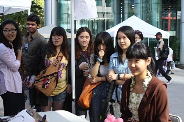 中共外交界的消息人士披露,近來一份禁止高官子女去美國留學,讓已經出去的子女年內回國的內部文件出爐。(周月諦/大紀元)